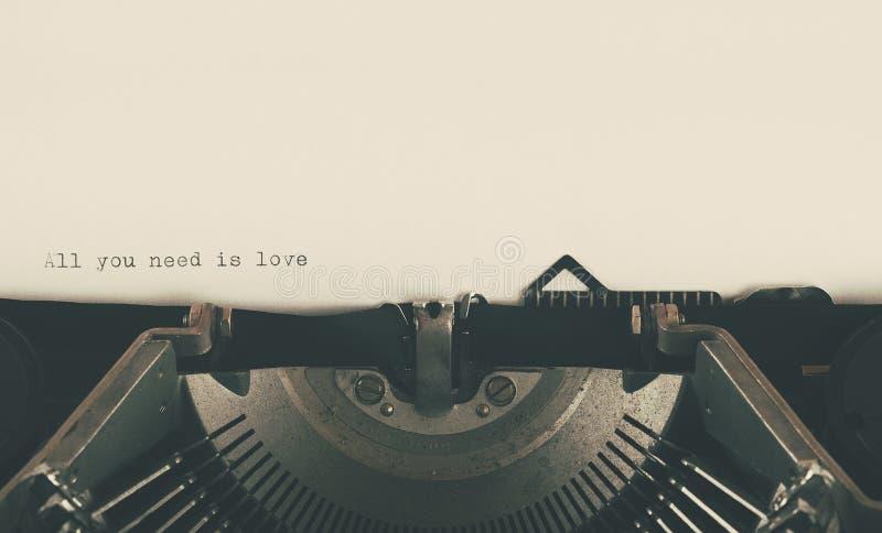 Impresión de la máquina de escribir del vintage del amor imágenes de archivo libres de regalías