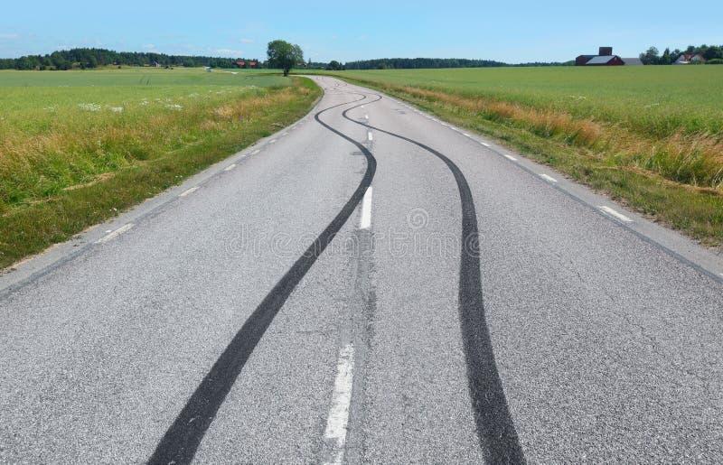 Download Impresión Del Neumático En La Carretera De Asfalto Imagen de archivo - Imagen de asfalto, coche: 42435541