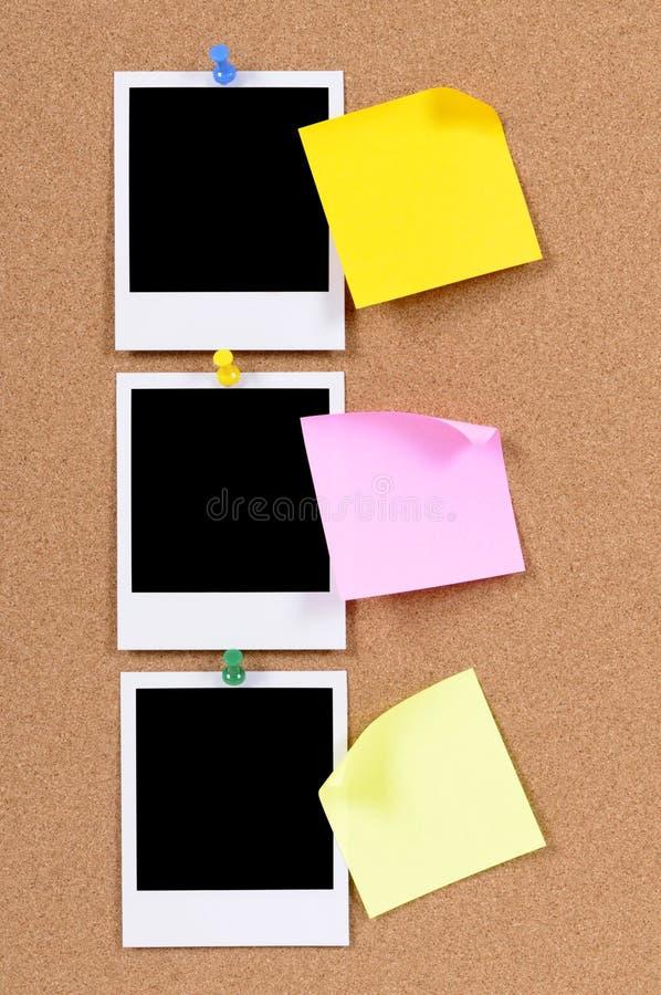 Impresiones en blanco de la foto con las notas pegajosas imagen de archivo libre de regalías