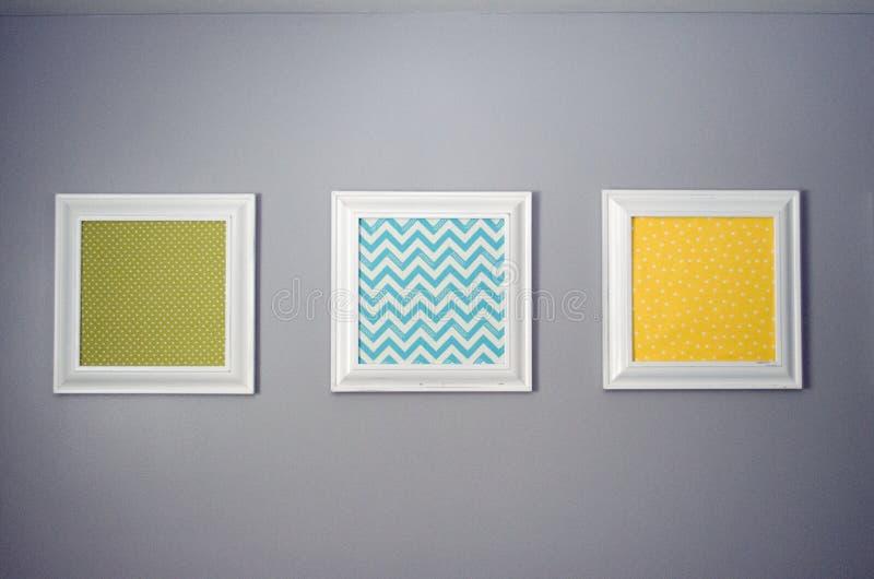 Impresiones en una pared imágenes de archivo libres de regalías
