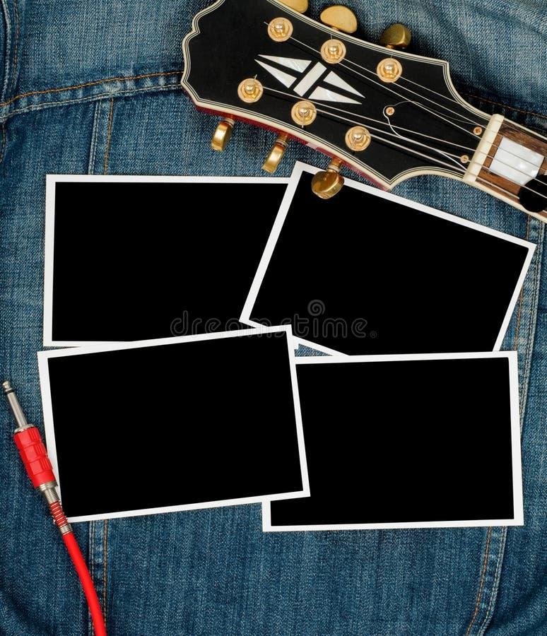 Impresiones y guitarra de la foto imagenes de archivo