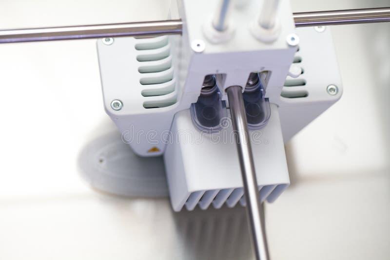 Impresora tridimensional blanca fotografía de archivo
