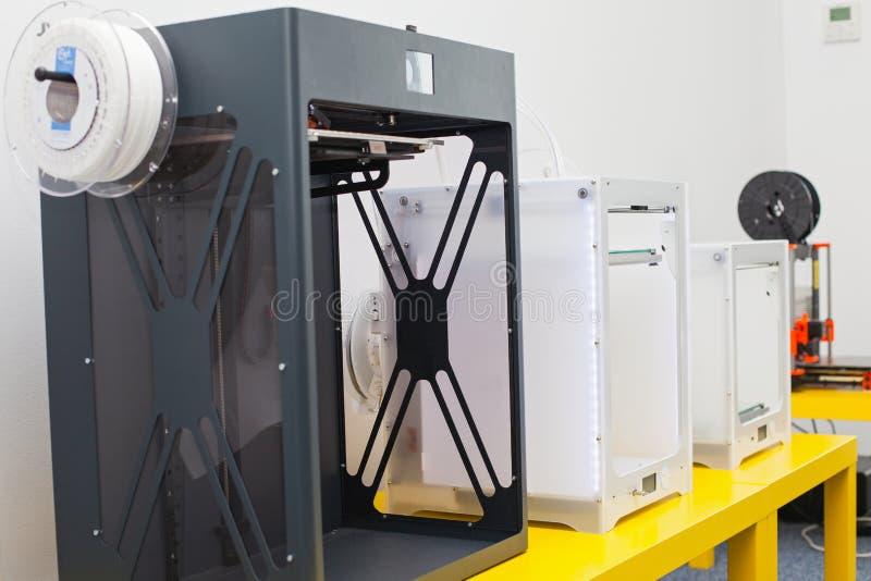 Impresora tridimensional blanca fotos de archivo libres de regalías