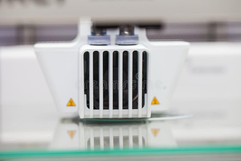 Impresora tridimensional blanca imagen de archivo libre de regalías