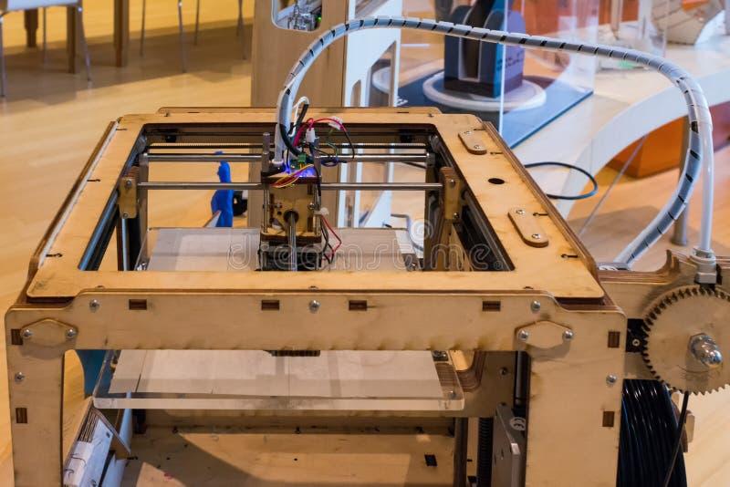 Impresoras originales 3D de Ultimaker en el nuevo museo de ciencia en Trento, Trentino el Tyrol del sur, Italia Cierre-u imagen de archivo
