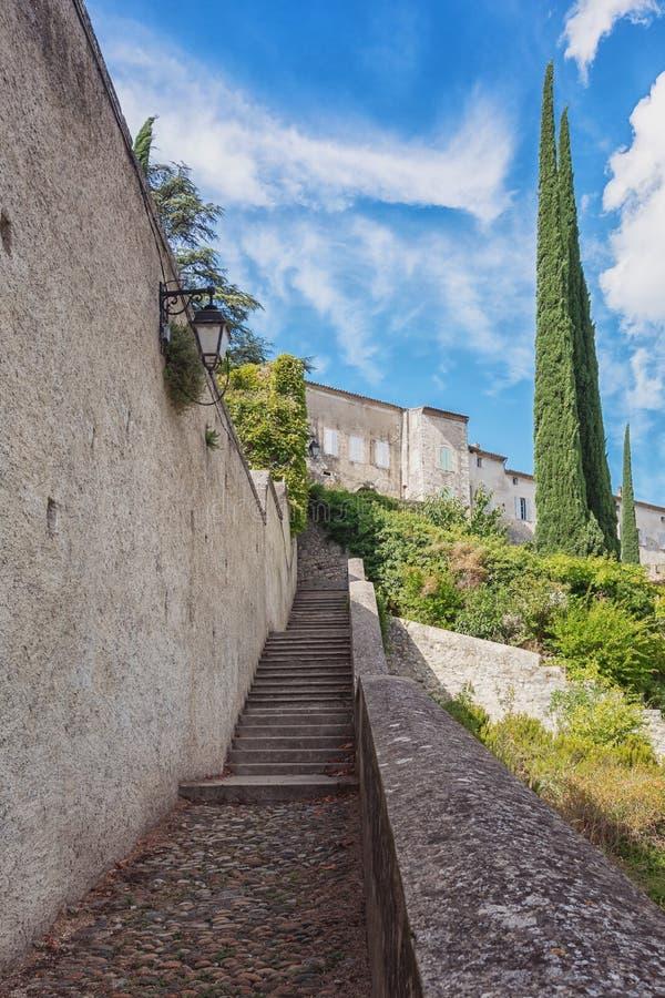 Impressão da vila Viviers na região de Ardeche de franco fotografia de stock