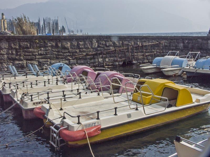 Impressões do feriado - espirra da pintura no lago Garda foto de stock royalty free