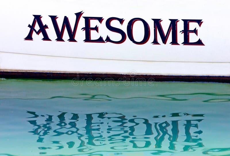 Impressionnant écrit du côté d'un bateau en Espagne image stock