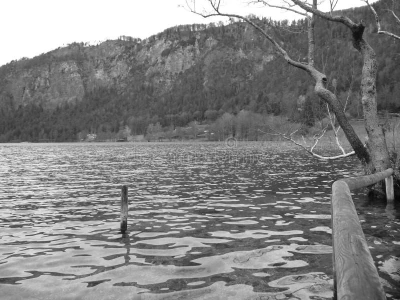 Impressions à Thumsee à Bad Reichenhall le jour de l'automne photo stock