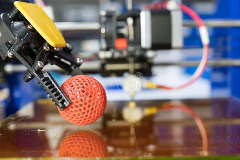 Impressora 3D caseiro para imprimir protótipos plásticos imagem de stock royalty free