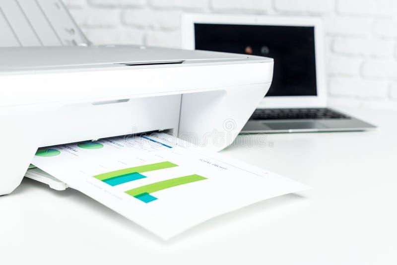 Impressora, interior do escritório imagem de stock
