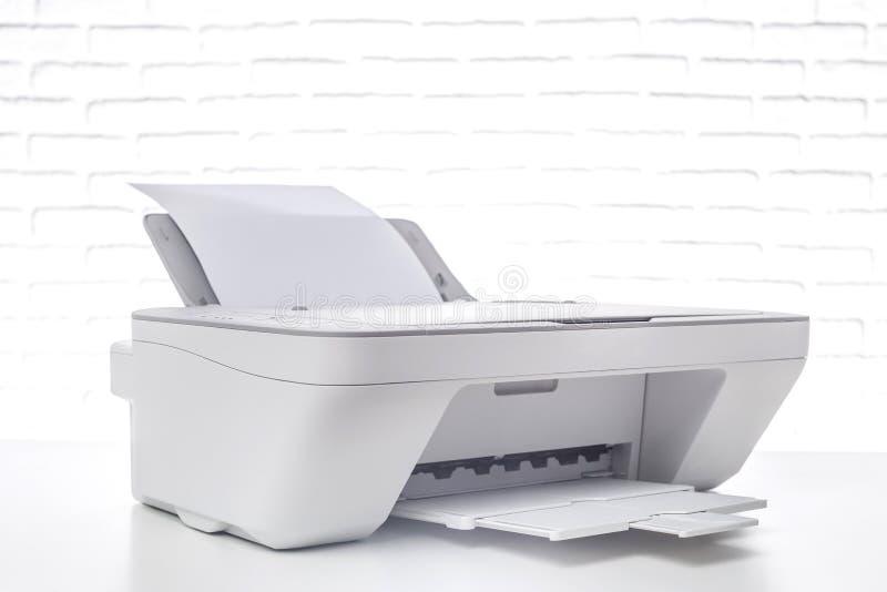 Impressora, interior do escritório fotos de stock royalty free