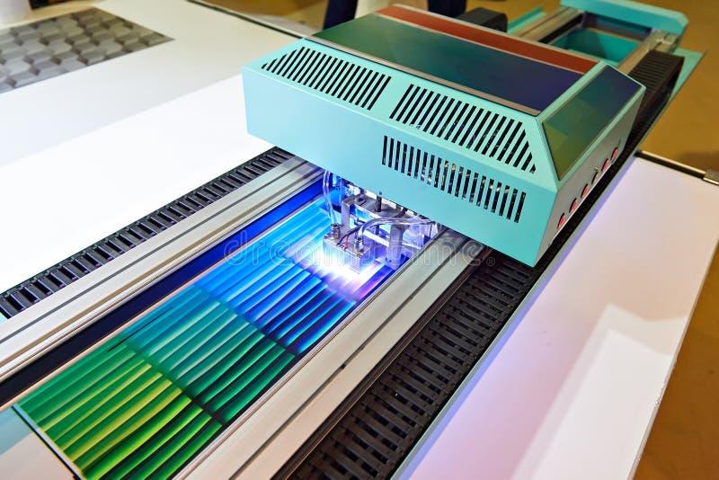 Impressora UV do revestimento do grande formato imagem de stock