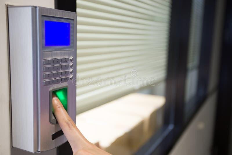 Impronta digitale e macchina della serratura di parola d'ordine fotografia stock libera da diritti