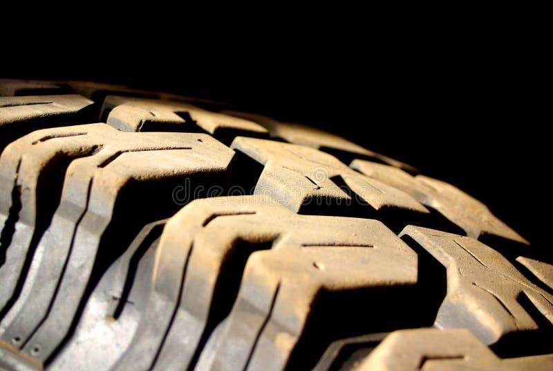 Impronta polverosa del pneumatico immagini stock libere da diritti