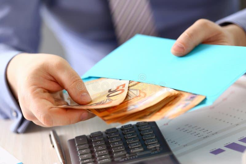 Impuesto del presupuesto de la renta de Saving Euro Concept Company imagenes de archivo