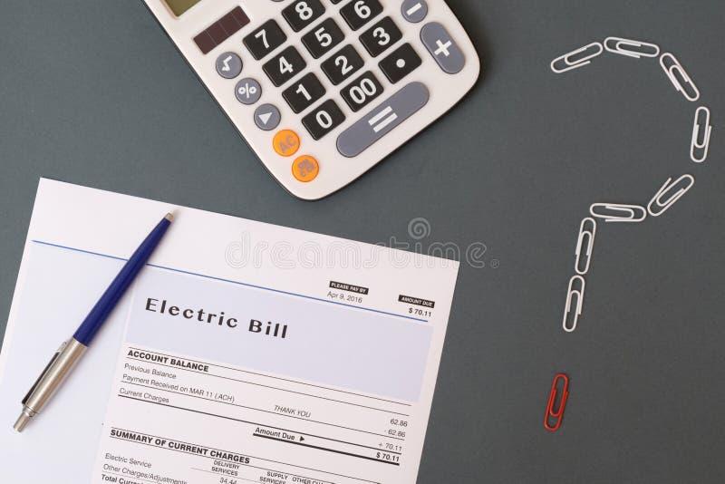 Impuestos y problema de la cuenta de energía imagen de archivo libre de regalías