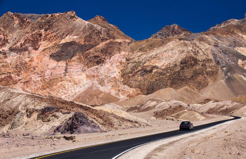 Impulsión del ` s del artista - parque nacional de Death Valley imagenes de archivo