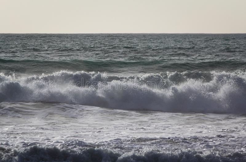 Impulso e rochas - III - Trebarwith - Cornualha fotos de stock royalty free
