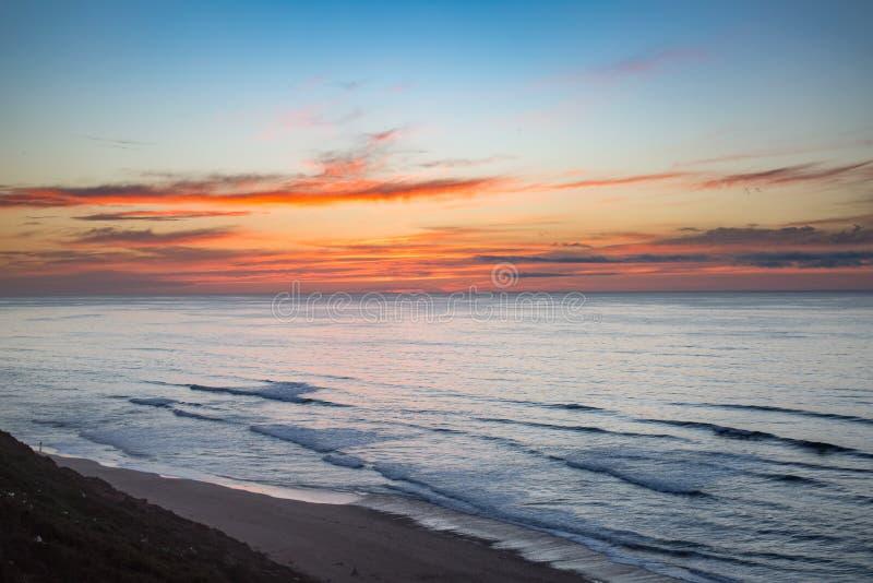 Início da noite na costa em Sidi Ifni fotos de stock royalty free