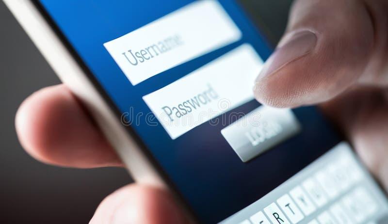 Início de uma sessão com smartphone Username e senha Registro ao Web site imagens de stock royalty free