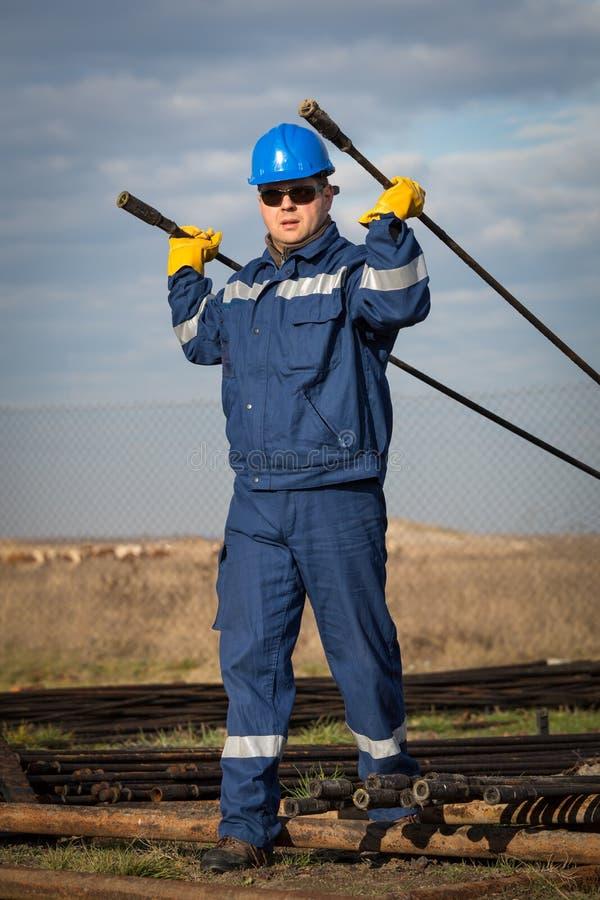 Inżynier praca w rafinerii ropy naftowej zdjęcie royalty free