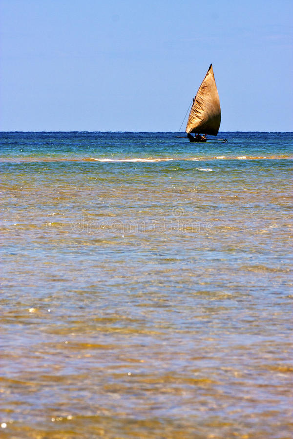 Free In The Blue Lagoon Nosy Iranja Boat Stock Photo - 40661740
