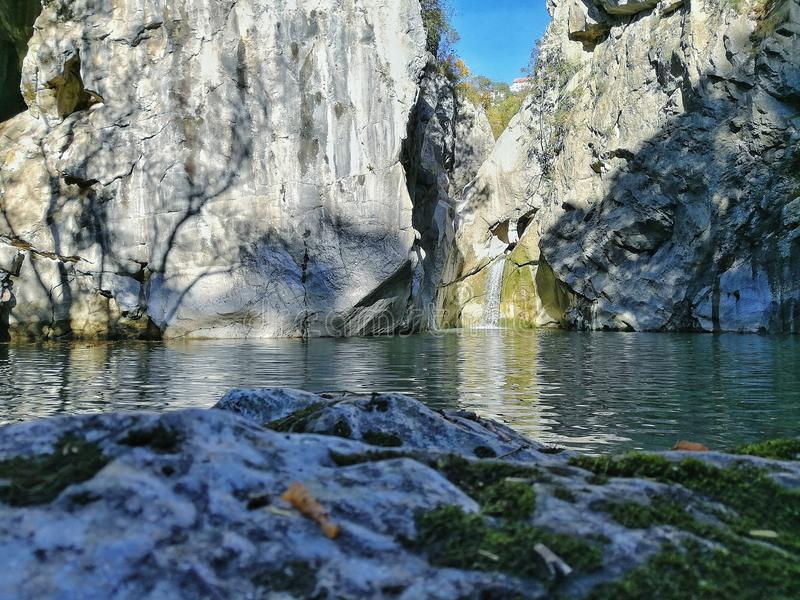 Ina de  de RjeÄ de rivière à Rijeka, Croatie images libres de droits