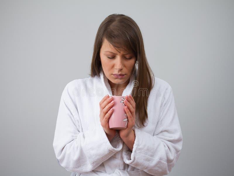 Inandning och förkylning fotografering för bildbyråer
