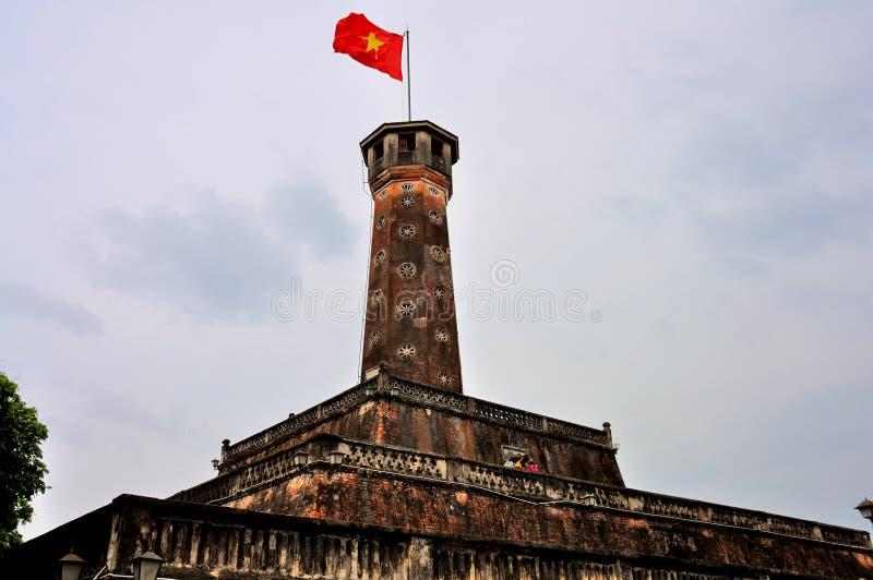 Inbandieri la torre, Hanoi, Vietnam fotografie stock