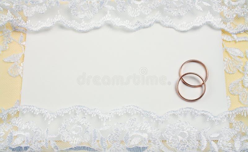 inbjudanbröllop arkivbild