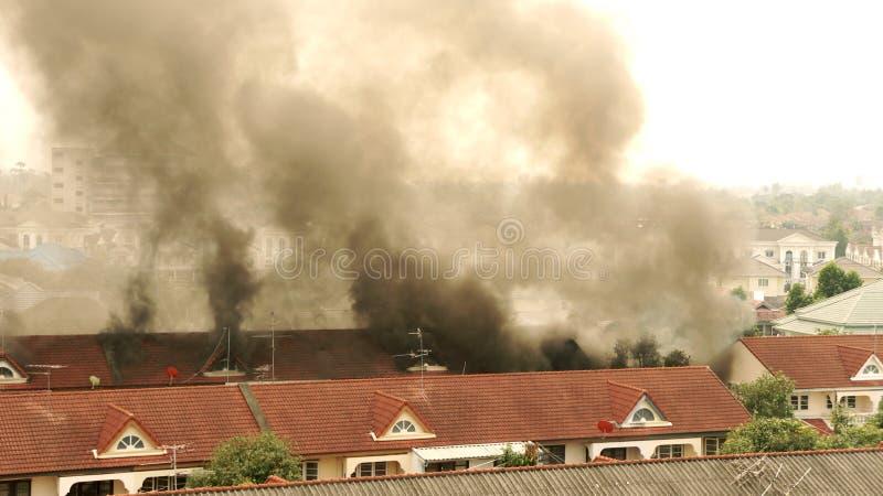 Incêndio da casa. fotografia de stock royalty free
