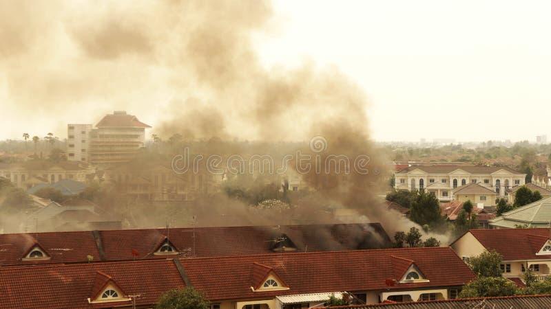 Incêndio da casa. fotos de stock royalty free