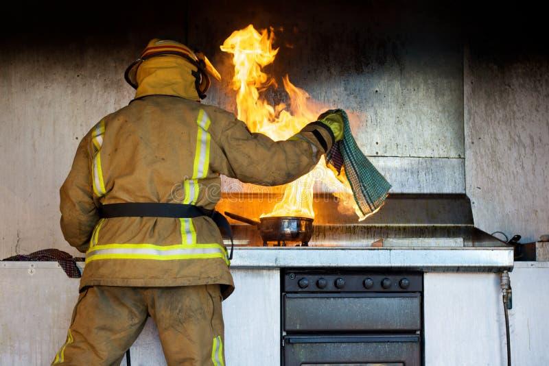 Incêndio da cozinha imagens de stock