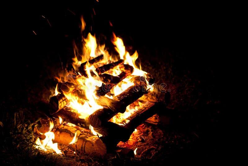 Incêndio de acampamento imagem de stock