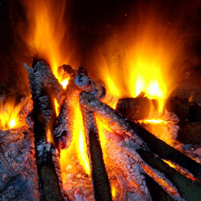 Incêndio do BBQ foto de stock