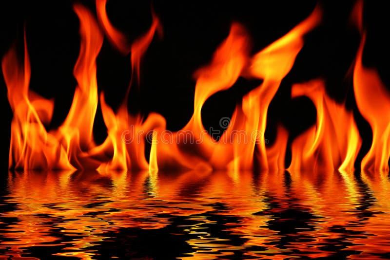 Incêndio e água imagens de stock