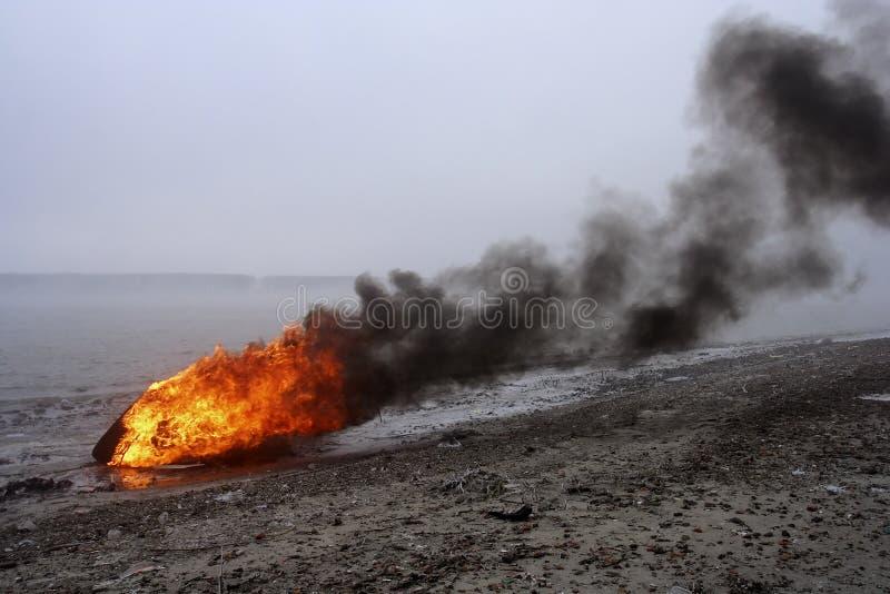 Incêndio e fumo fotografia de stock