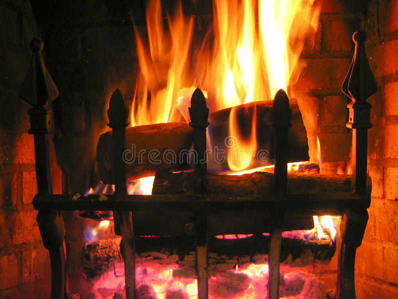 Incêndio morno Crackling foto de stock royalty free