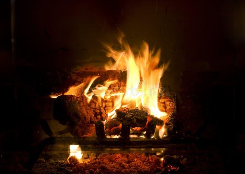 Incêndio na chaminé fotografia de stock royalty free