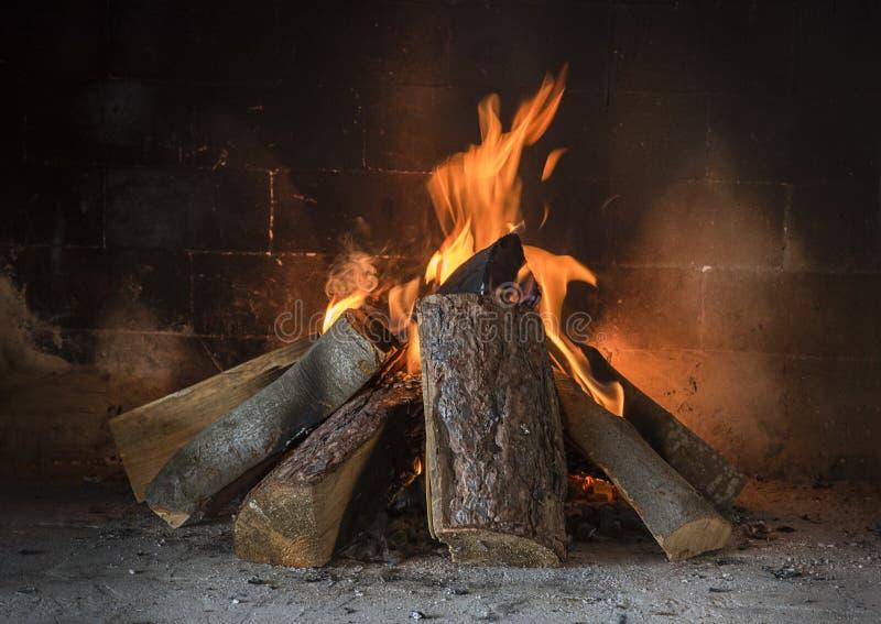 Incêndio na chaminé foto de stock
