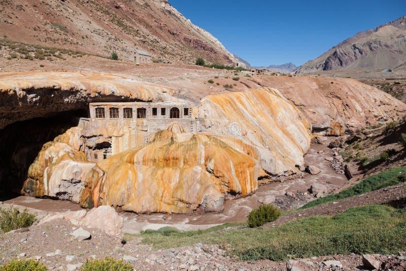 Inca Bridge Andes stock foto's
