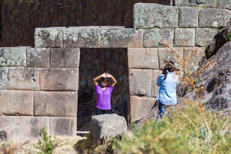 Inca Doorway i Pisac arkivfoton