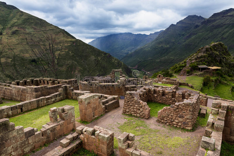 Inca Ruins in Pisac, Peru stock afbeelding