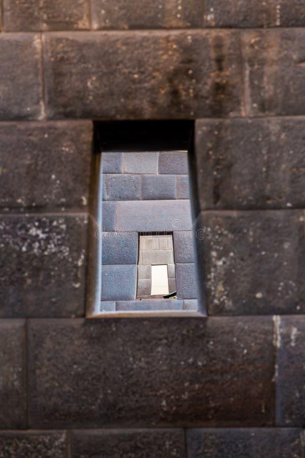 Inca Wall en la ciudad antigua de Machu ejemplo de Picchu, Perú, Suramérica. de la albañilería poligonal imagen de archivo