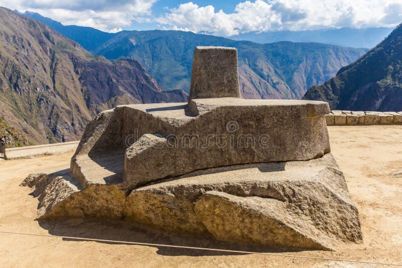 Inca Wall en Machu Picchu, Perú, Suramérica. Ejemplo de la albañilería poligonal. La piedra famosa de 32 ángulos imagen de archivo libre de regalías