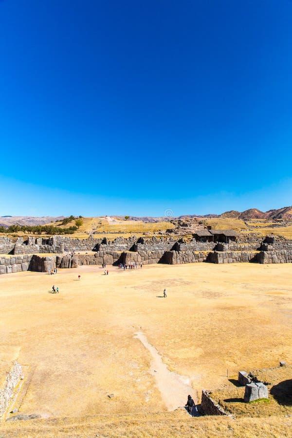 Inca Wall en SAQSAYWAMAN, Perú, Suramérica. Ejemplo de la albañilería poligonal. imagenes de archivo
