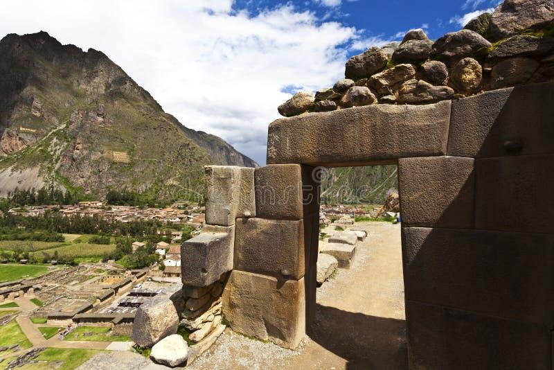 Incaen fördärvar av Ollantaytambo - den sakrala dalen - Peru arkivfoto
