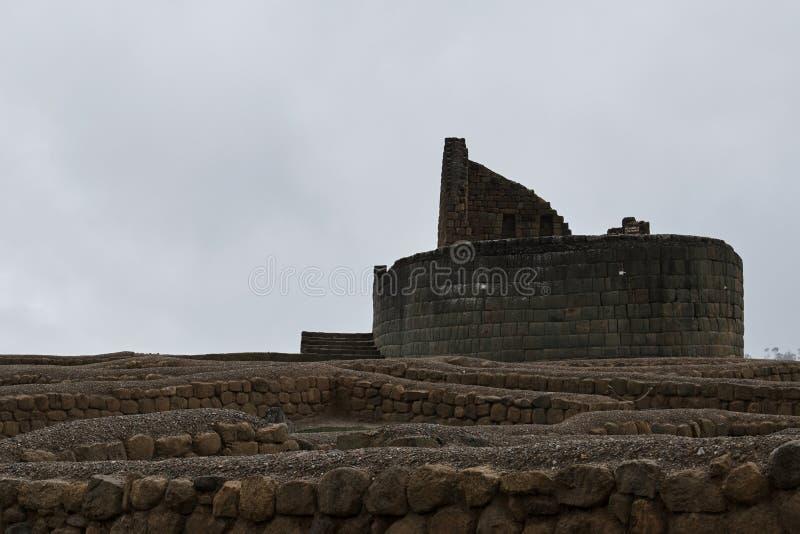 Incaen fördärvar i Ecuador royaltyfria bilder