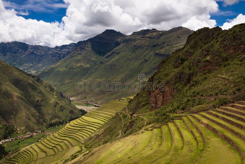 Incaen fördärvar i Pisac, nära Cuzco, i Peru arkivfoton